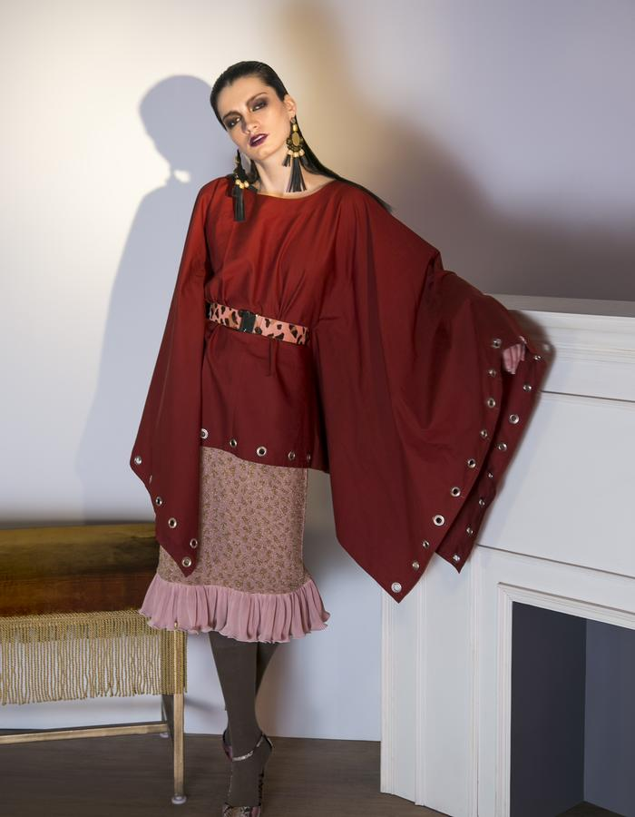 Oversized Kimono top with belt.Pink and Gold Jacquard skirt