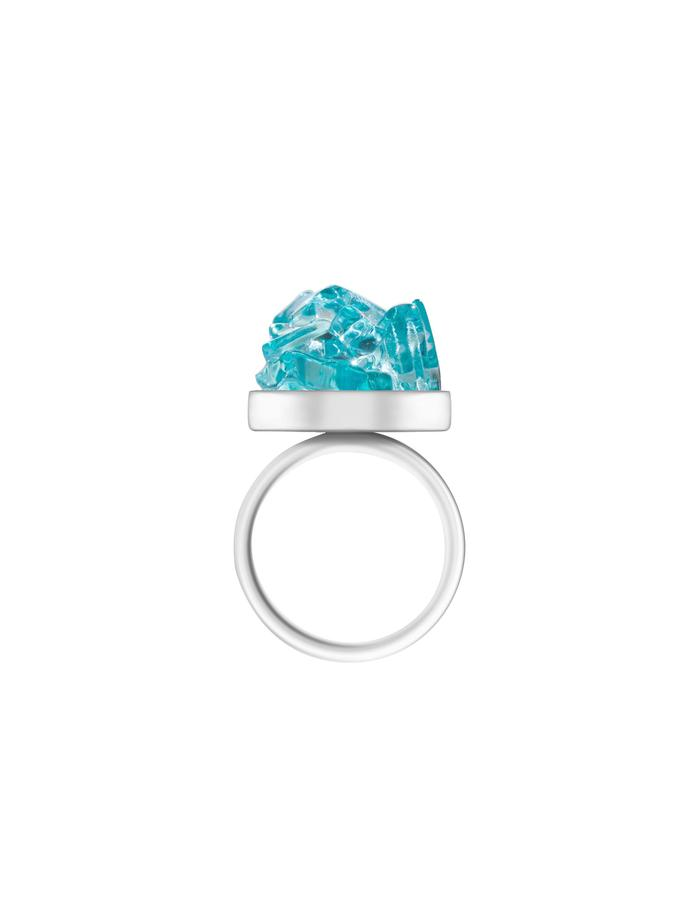 The rings are available in rosa, aqua and eozin colours. Stone diameter: 1.8 cm Material: fused glass, 925 silver