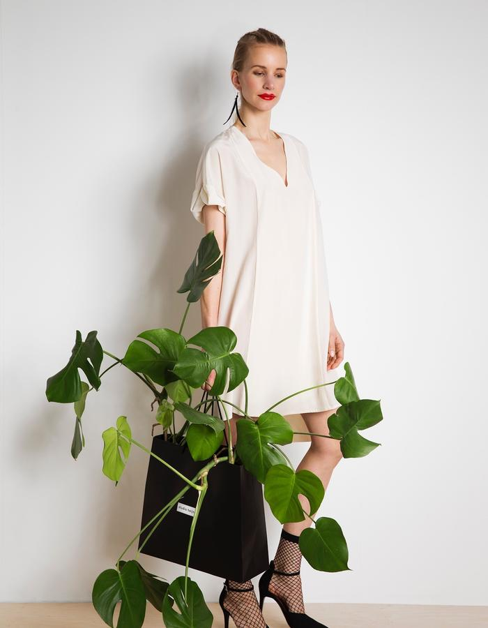 Day dress in knee length and off-white