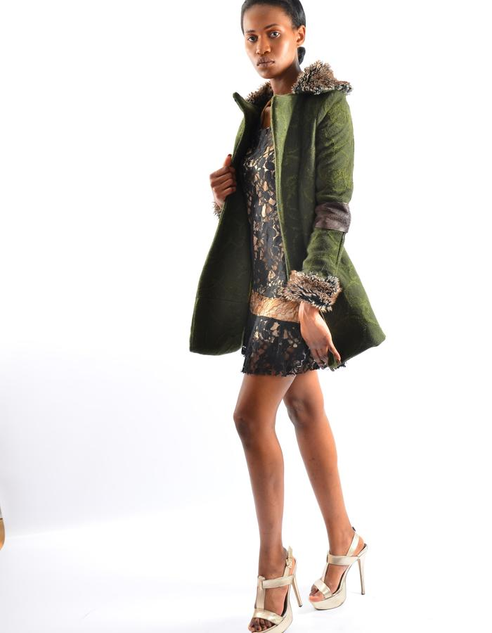 100  % short wool coat with sheep leather on elbows