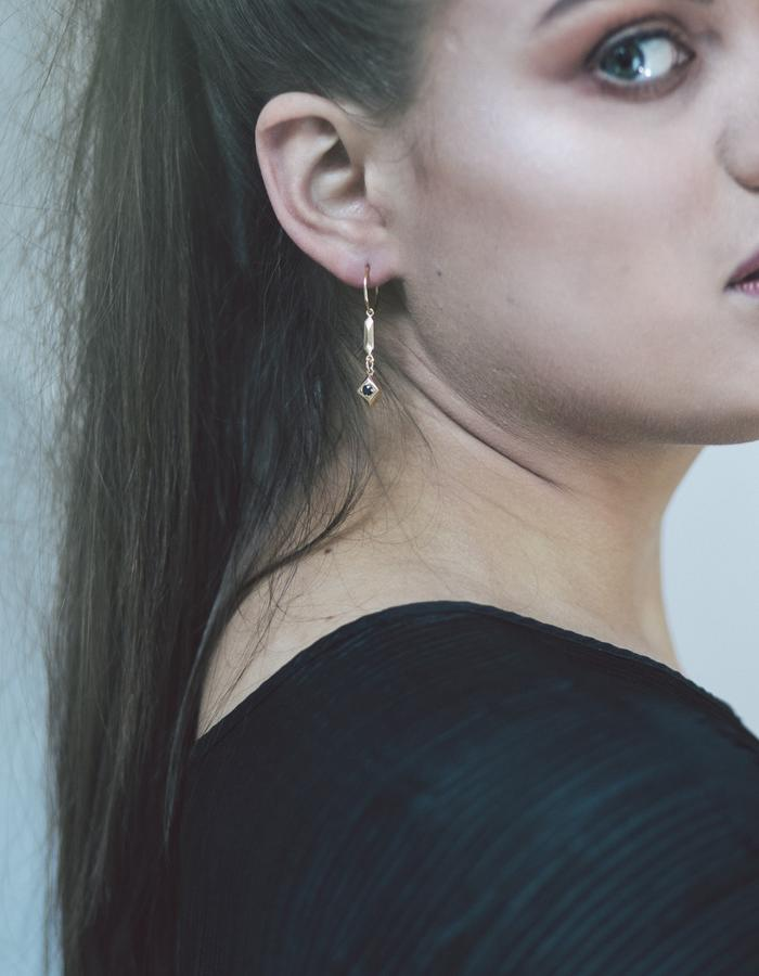 Pillar and Stone Hoops in 18k Gold and Black Spinel