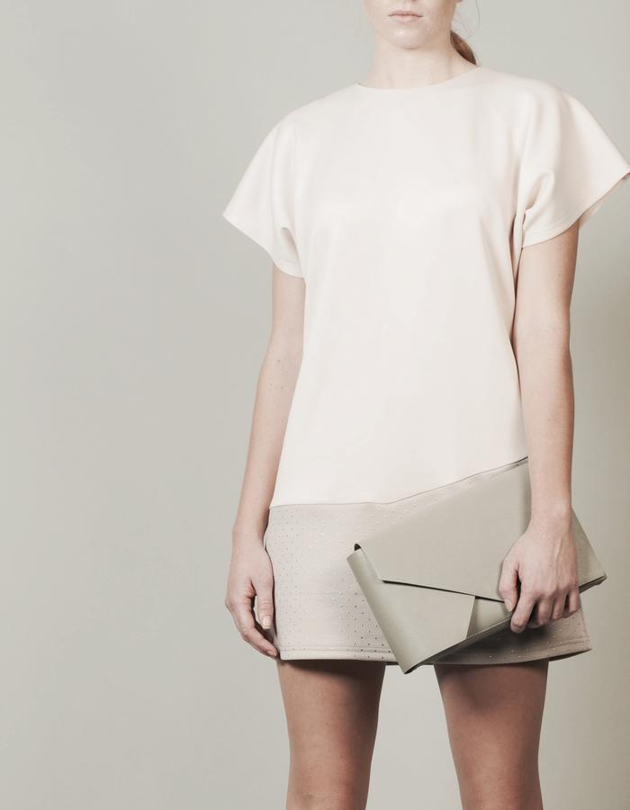 Isabel Wong x Urban Travel - Minimal Geometric Clutch Bag Grey