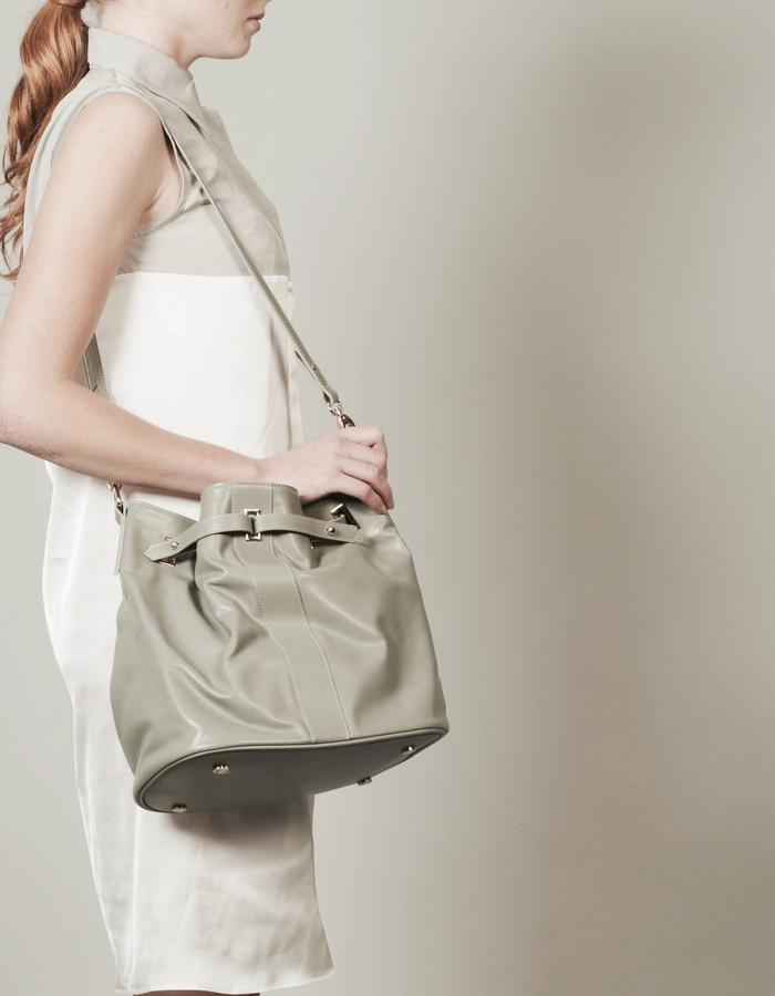 Isabel Wong x Urban Travel - Minimal Geometric Duffle Bucket Bag