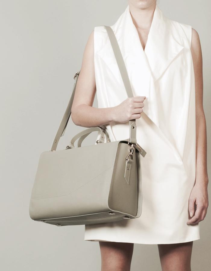 Isabel Wong x Urban Travel - Minimal Geometric Holdall Grey