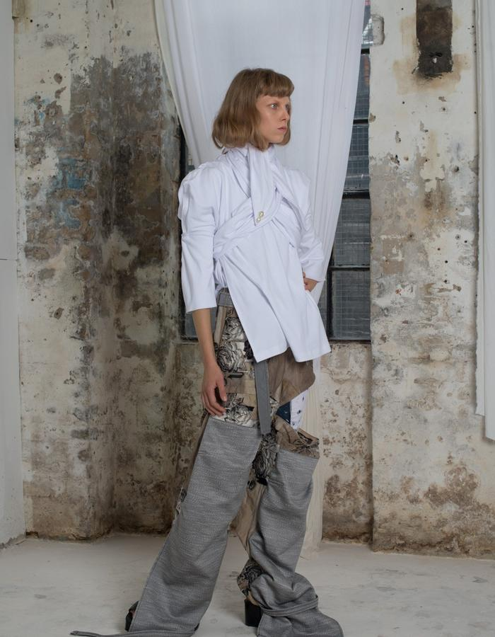 Double faced cotton tee blouse with cargo trouser in reversed jacquard