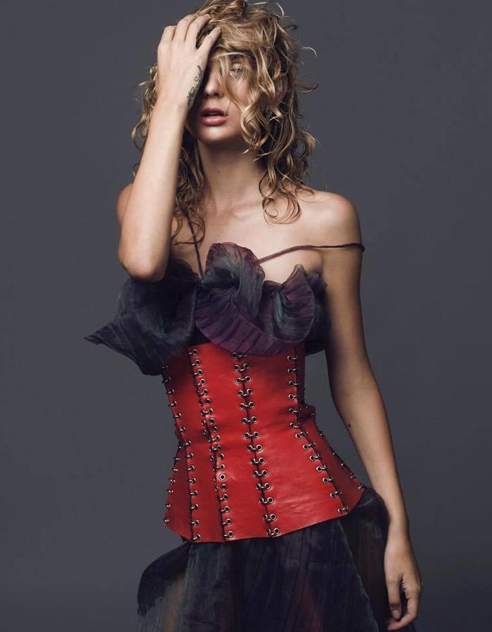 THIAN Rodriguez red corset in man-made leather.