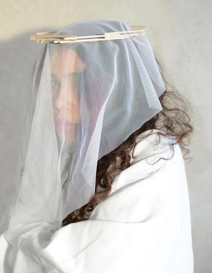 Unconventional Bride Marianne Kalinovski Rosa Hirn Schmuck Jewellery Headpiece