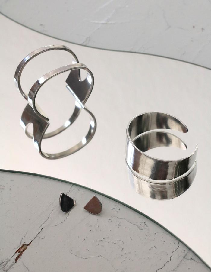 Rosa Hirn Schmuck Jewellery Mirrored Aluminium Photography