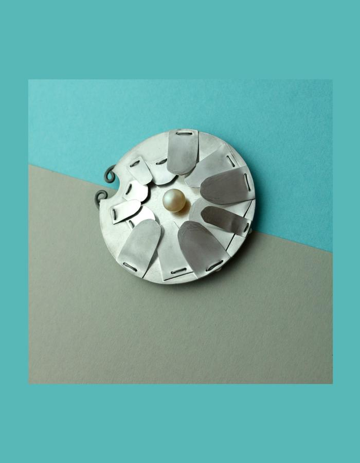 Rosa Hirn Schmuck Jewellery Photography Nosering
