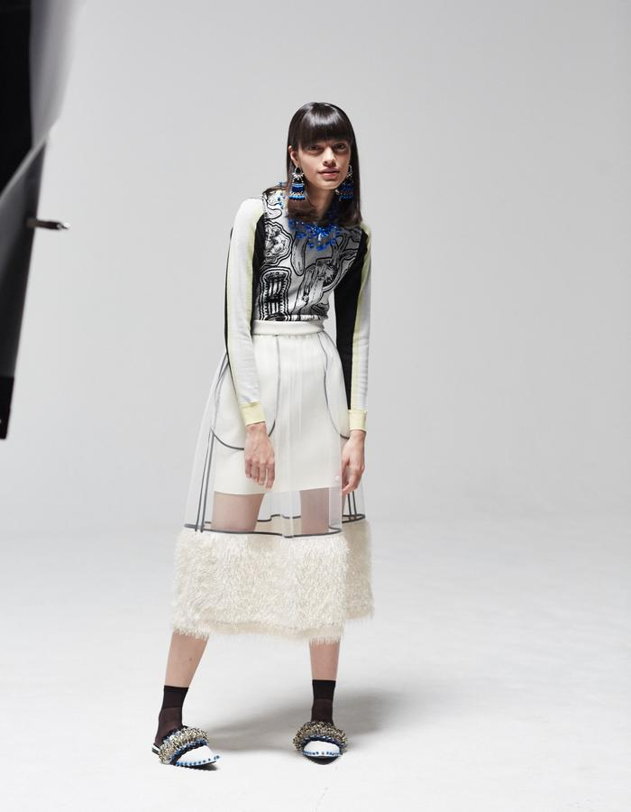 LONGSHAW WARD SS18 LOOK4- cream net and fringe skirt and jacquard jumper