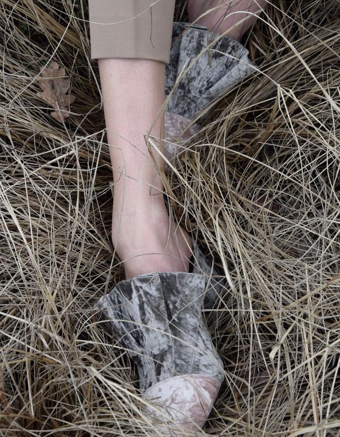 Aletheia velvet wavy high-heel mules by Rawmade