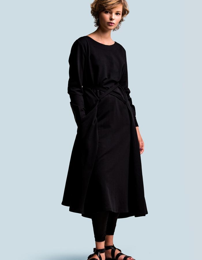 Jersey black transformer dress by FINCH