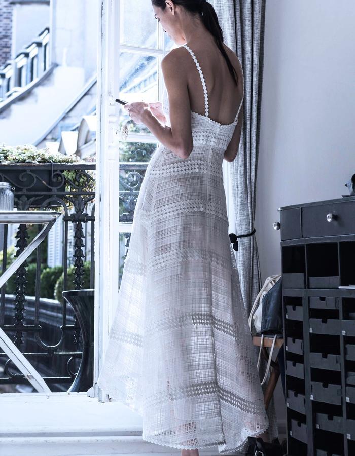 Atelier November Spring Summer 2018 White Dress