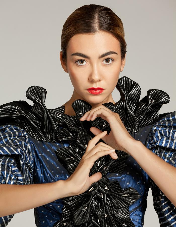 """Unique piece - """"NEMESIA"""" SIMON ALBO Couture Collection 2018. © SIMON ALBO Butterfly sleeve blouse in royal blue silk woven with silver lurex, plastron stitched with black quilted satin flowers embroidered with silver crystal beads.simon albo creative fashion designer costumier haute couture luxe modeblue vest black embroidery"""