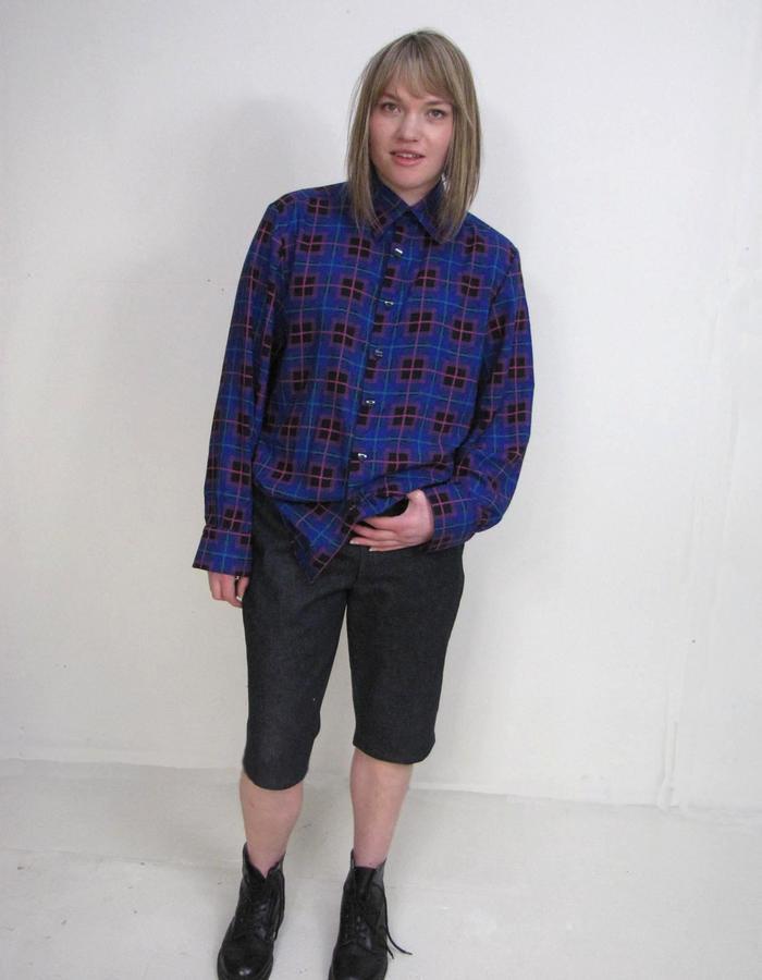 Offcut short, Not a BLUE shirt.