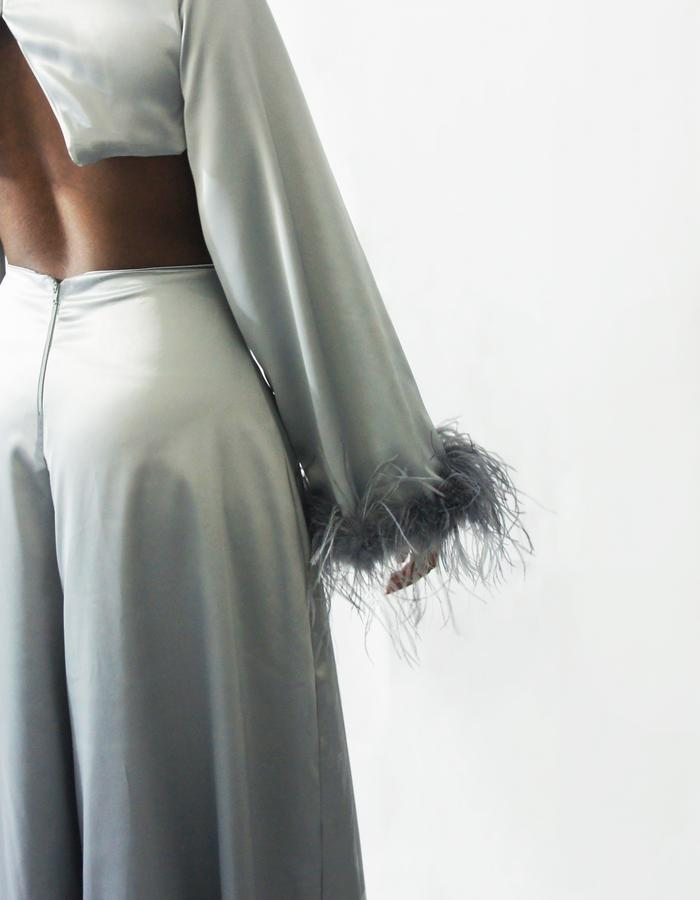SUPER FLARE TROUSERS   OSTRICH FEATHER CROP