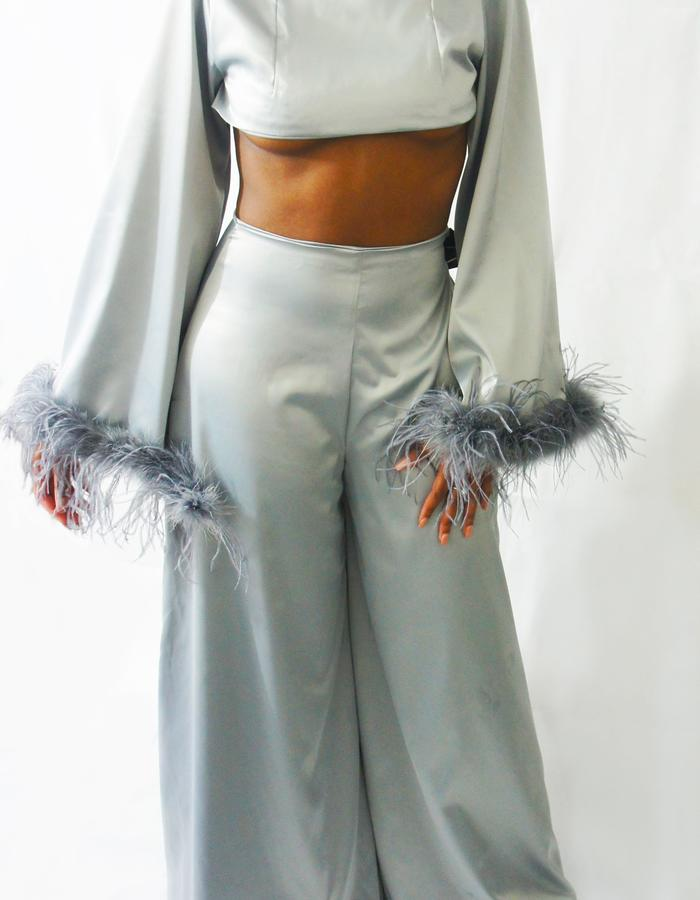 OSTRICH FEATHER CROP   SUPER FLARE TROUSERS