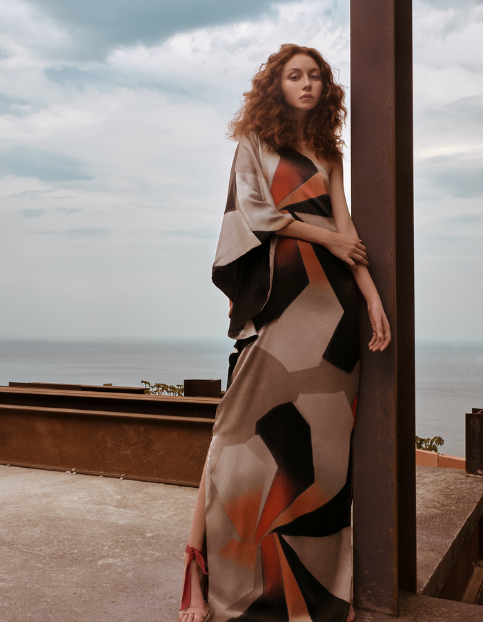 KARINE FOUVRY ABSTRACT SILK ONE SHOULDER, PHOTO BY CLAUDIO CARPI